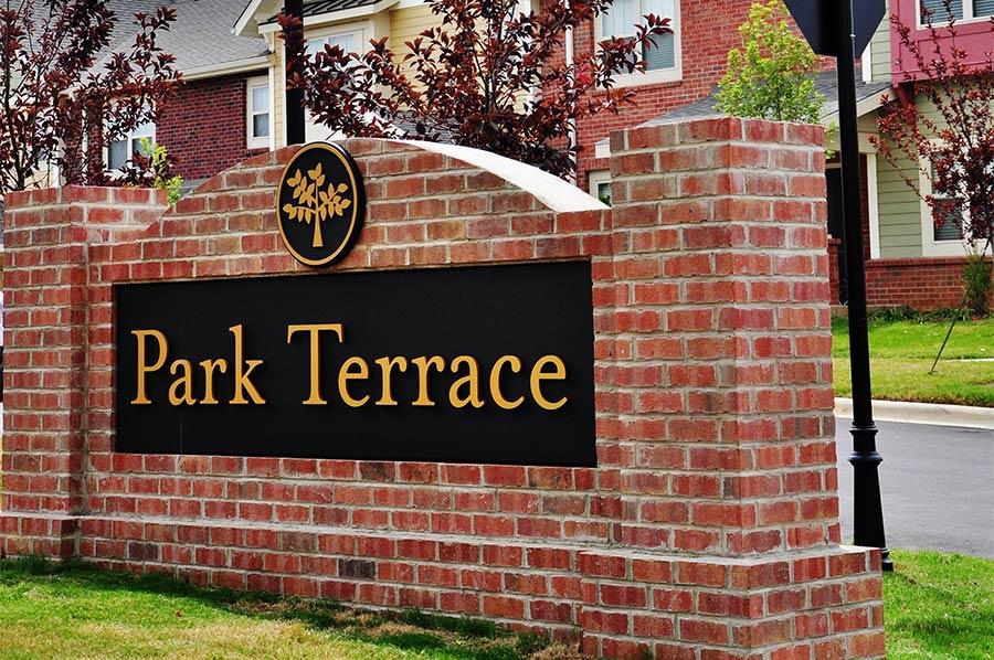 Park Terrace Signage - Laurel Street